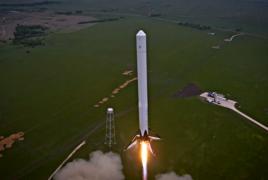 Маск назвал возможную причину крушения центрального ускорителя Falcon Heavy