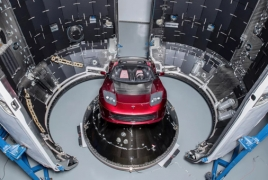 Մասկի Tesla-ն տիեզերքում կարող է ոչնչանալ փոքր երկնաքարերի հետ բախումներից