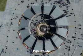 Bulgaria president visits Armenian Genocide memorial