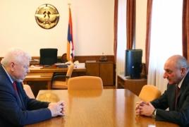 Президент Карабаха обсудил с Каспршиком ситуацию на передовой