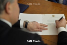 Armenia president accepts resignation of government