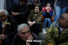 Столкновения в Ереване: Противники премьерства Саргсяна пытаются прорваться к зданию НС (Обновляется)