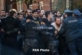 Ոստիկանությունը կոչ է անում Փաշինյանին չշրջափակել փողոցները