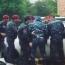 Ոստիկանները ջարդել են ցուցարարների մեքենաները (Տեսանյութեր)