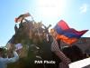 В Армении празднуют отставку Саргсяна: На улицах тысячи людей