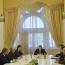 Карапетян: Государственные органы Армении продолжают полностью выполнять свои функции