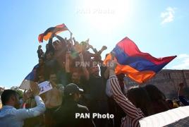U.S. applauds both police and demonstrators in Armenia: envoy