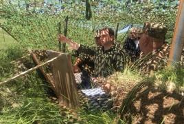 Глава Минобороны Армении посетил боевые позиции на границе с Нахиджеваном