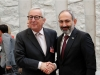 Pranksters invite Juncker to Armenia for barbeque in phone call as PM