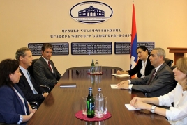 Глава МИД НКР принял новоназначенного руководителя программы The HALO Trust в Арцахе
