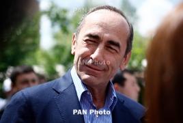 Активисты с криками «убийца» сорвали пресс-конференцию экс-президента Армении