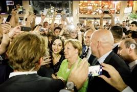 Меркель в своем Instagram опубликовала фото с вечерней прогулки по Еревану