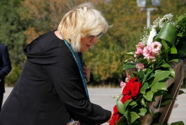 CoE Human Rights Commissioner visits Armenian Genocide memorial