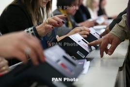 Դիտորդներն ընտրողներին ուղղորդելու դեպքեր են գրանցել Շենգավիթում և Աջափնյակում