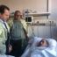 Глава Минобороны Армении навестил раненного на передовой военнослужащего