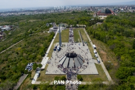 French President visits Armenian Genocide memorial