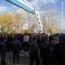 Խոշտանգման մեղադրանքով կալանավորված ոստիկանների հարազատները բացել են Երևան-Սևան ճանապարհը