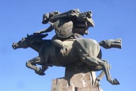 Մենուա Հարությունյանը Դավիթ Բեկի օրինակով ձիով շրջել է Կապանում