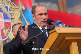 """First Armenian President Levon Ter-Petrosyan votes """"for peace"""""""
