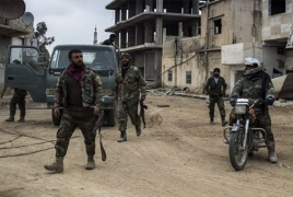 Syrian army, US-backed forces battle at important crossroad near Tanf