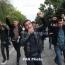 Քաշքշոց՝ ոստիկանների ու Մանվել Գրիգորյանի կալանքը պահանջող ակտիվիստների միջև