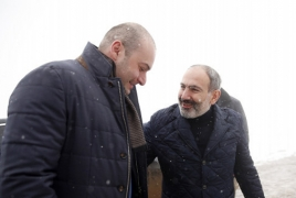Armenian, Georgian PMs stress relations in informal meeting