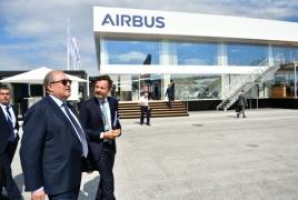 ՀՀ նախագահը Լը Բուրժեում միջազգային ավիացիոն ցուցահանդես է այցելել