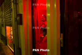 Мэр Амстердама хочет закрыть бордели в квартале красных фонарей