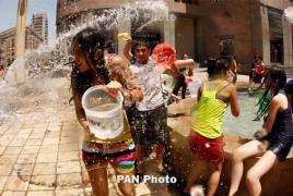 Գառնիում ու Գեղարդում վարդավառին ավելի քան 10,000 հայաստանցի ու զբոսաշրջիկ է մասնակցել