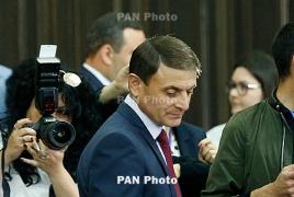 ԶԼՄ-ները հայտնում են Օսիպյանի հրաժարականի մասին