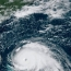 Около 30,000 жителей Бермуд остались без света из-за урагана