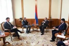 Президент РА - конгрессмену США: Буду рад видеть в Армении крупные американские компании