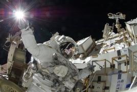 Две женщины впервые в истории вместе вышли в открытый космос