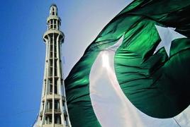 73 человека погибли из-за пожара в пассажирском поезде в Пакистане