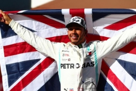 Lewis Hamilton clinches sixth F1 world title