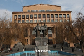 Making Armenian courses optional sparks protest among students