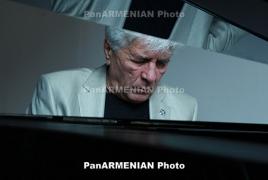 ՀՀ նախագահը շնորհավորել է Ռոբերտ Ամիրխանյանին 80-ամյակի առթիվ