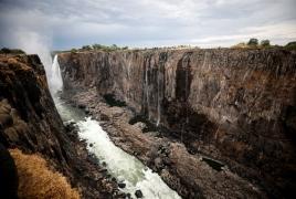 Водопад Виктория в Африке обмелел (фото)