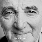 Tribute to Charles Aznavour traveling to Dubai