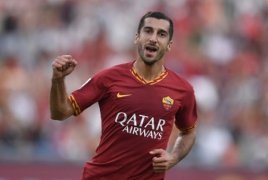 Mkhitaryan scores, assists to help Roma seal 4-0 win against Lecce