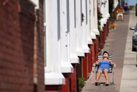 People in UK staying home despite easing restrictions: study