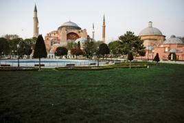 Армянский патриарх Константинополя призвал выделить в соборе Святой Софии место для христиан