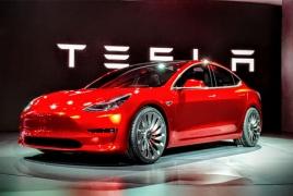 Tesla becomeս world's most valuable carmaker