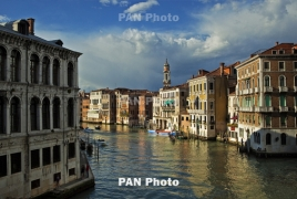 Venice's flood defence system fully tested for first time
