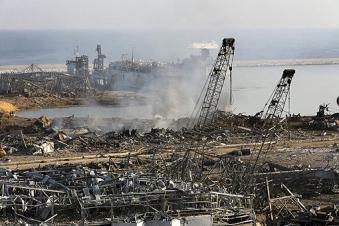 Число жертв взрыва в Бейруте достигло 220