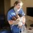 Медсестра прошла более 5 км с младенцами на руках после взрыва в Бейруте