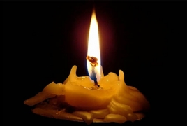 В РФ завели дело против прикурившего от свечи в храме подростка