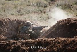 ВС Азербайджана открыли огонь по воинской части в Армении