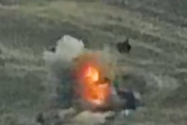 Watch Karabakh army destroy Azerbaijani motorcade in the frontline
