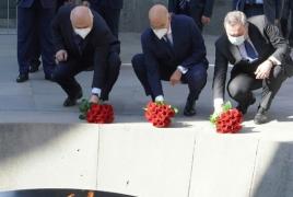 Глава МИД Греции в Ереване почтил память жертв Геноцида армян